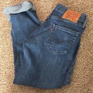 Women's Levi Jeans
